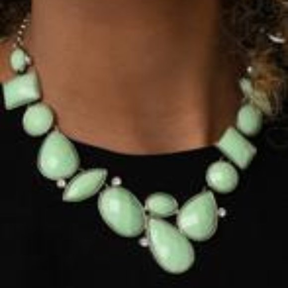 Paparazzi Mystical Mirage - Green Necklace